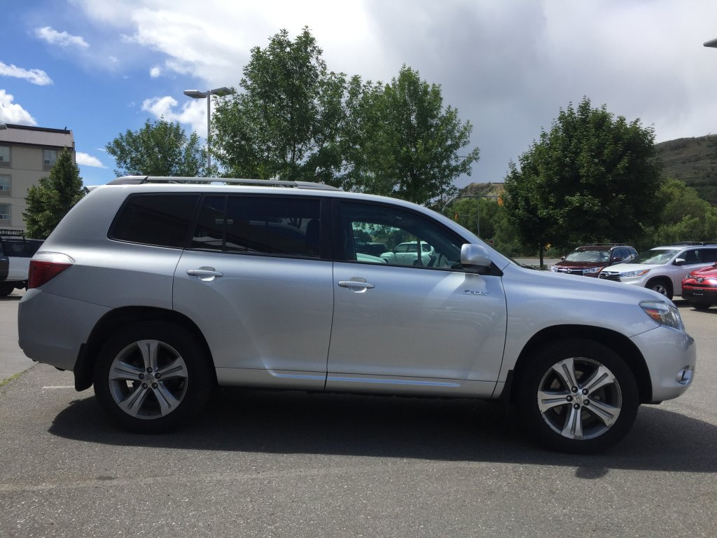 2008 toyota highlander for sale in vernon bc used toyota sales. Black Bedroom Furniture Sets. Home Design Ideas