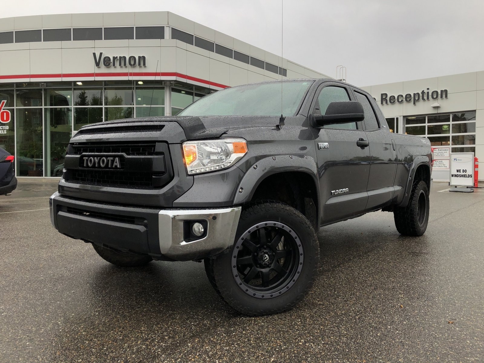 2016 Toyota Tundra 4x4 DOUBLE CAB TRD OFF ROAD LIFTED (V2061A) Main Image